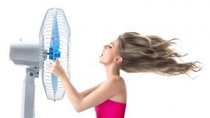 aircondition-kvinde-blæser